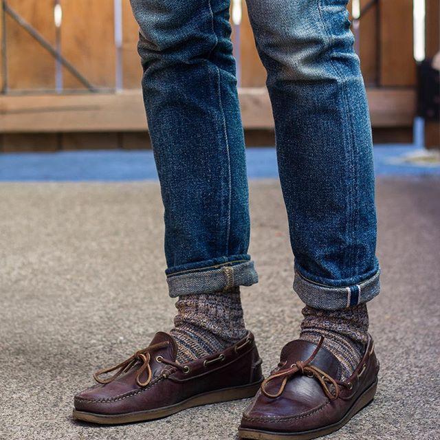 秋冬的马丁靴皮鞋就这么搭配,英伦风格穿上去精神吸引眼球